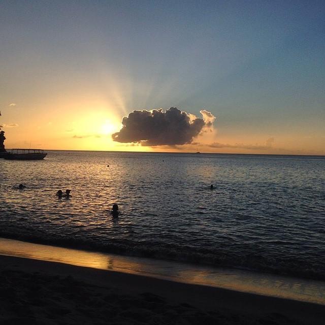 Beautiful night in beautiful St. Lucia. #regram @amandaallen14 #sunset #luxury #travel #beauty #bliss #ocean #beach #cloud #sun #StLucia